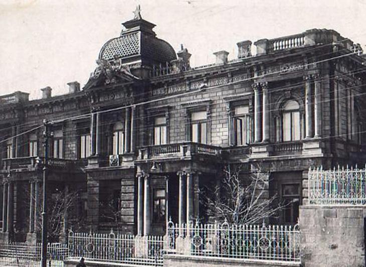Тайны Баку: История Дебуровского дворца