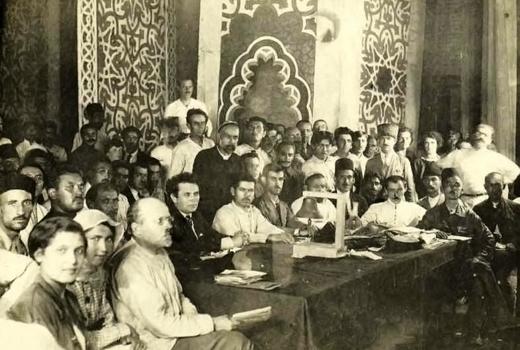 """Кто выдал подполье """"Иттихада"""" в Азербайджане в 1921?"""