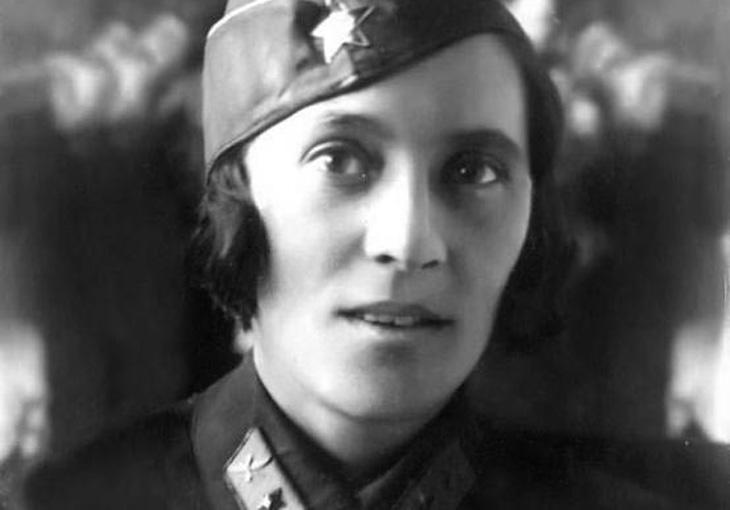 Лейла Мамедбекова, первая азербайджанская летчица