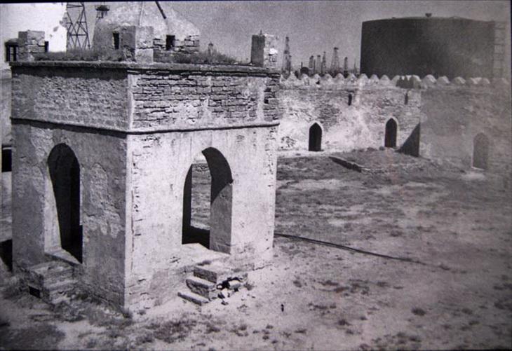 1870-е. Справа в кадре завод Кокорева