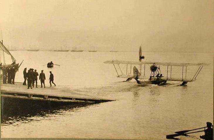 1915-1916. Самолет перед взлетом своды