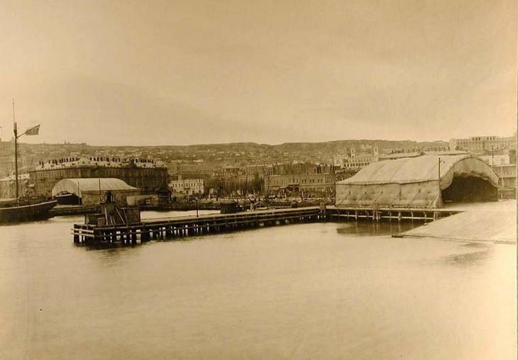 1915. Баку. Вид на Каменную и Старо-Таможенную пристани с моря