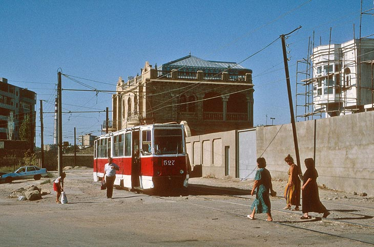 Трамваи Баку и Сумгаита в 1999 г. глазами Питера Хезелдайна (ФОТО)