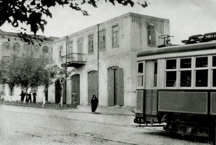 Трамвай на ул Джафара Джаббарлы, угол 4-й Параллельной. Фото 1955 года