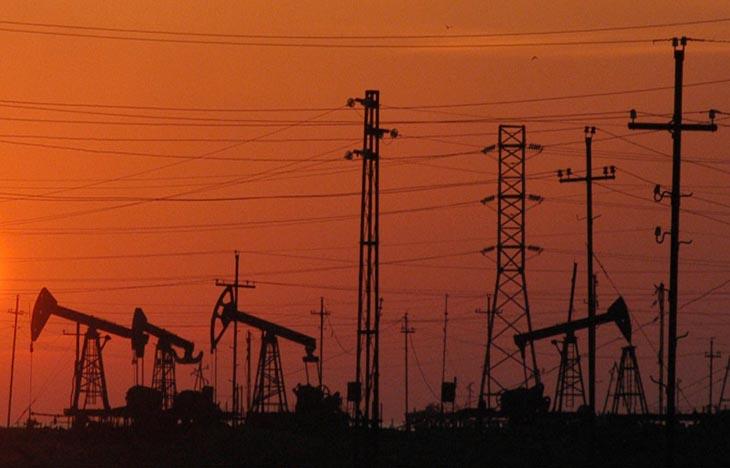 Ночные виды нефтяных месторождений Абшерона в ХХ в. (ФОТО)