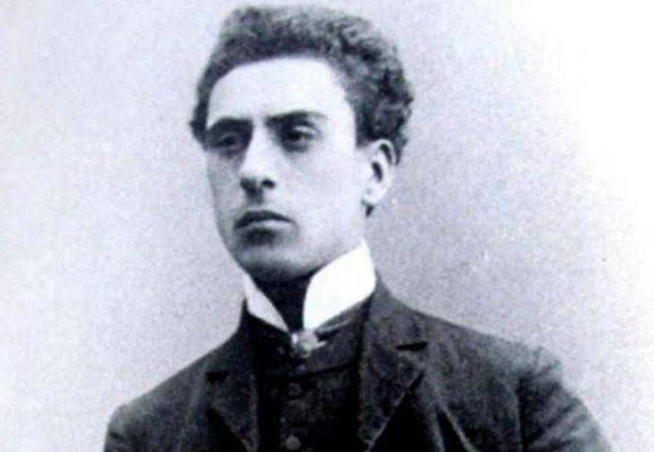 Гусейнбала Араблинский и его вклад в театральное искусство Азербайджана