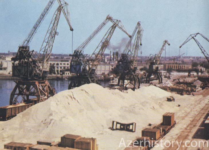 Советский Баку для французских туристов (38 ФОТО)