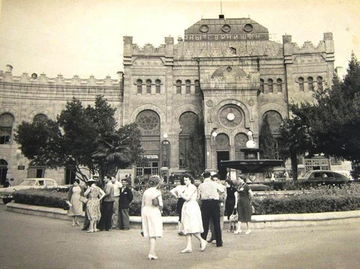 Первый железнодорожный вокзал в Баку в советское время (ФОТО)