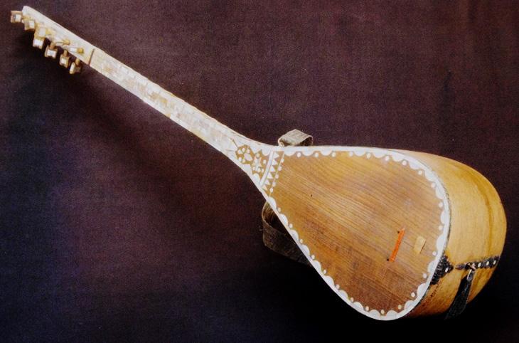 Саз: история неотъемлемого инструмента азербайджанских ашугов