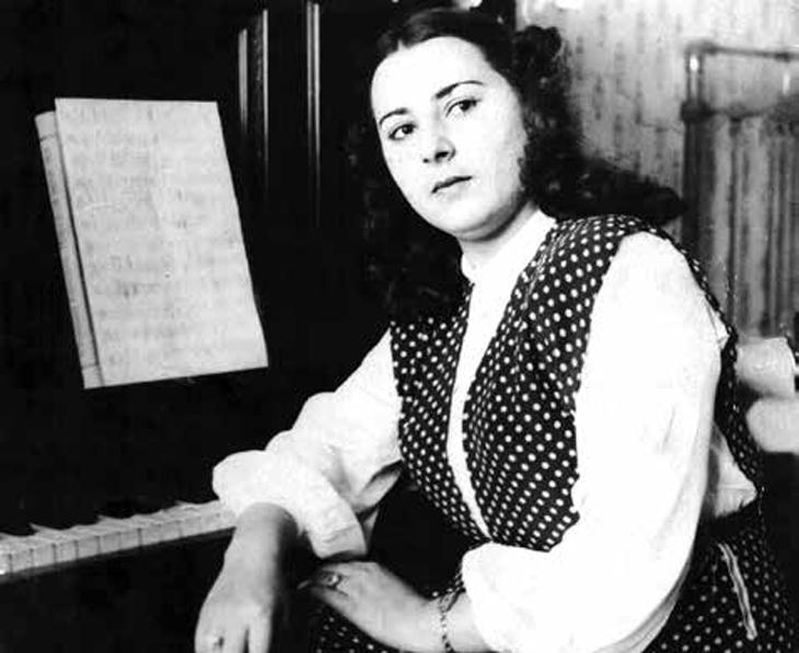 Шафига Ахундова - первая женщина на Востоке написавшая оперу и музкомедию
