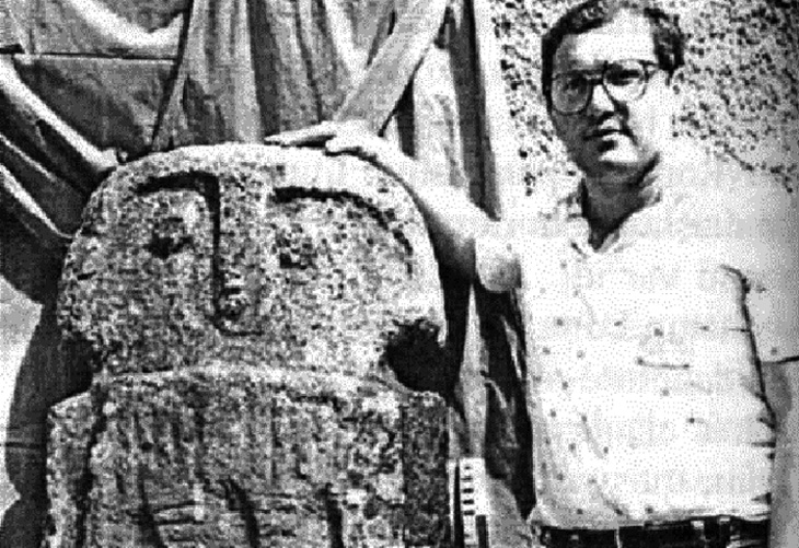 «Каменные бабы»: Об антропоморфных каменных изваяниях Карабаха