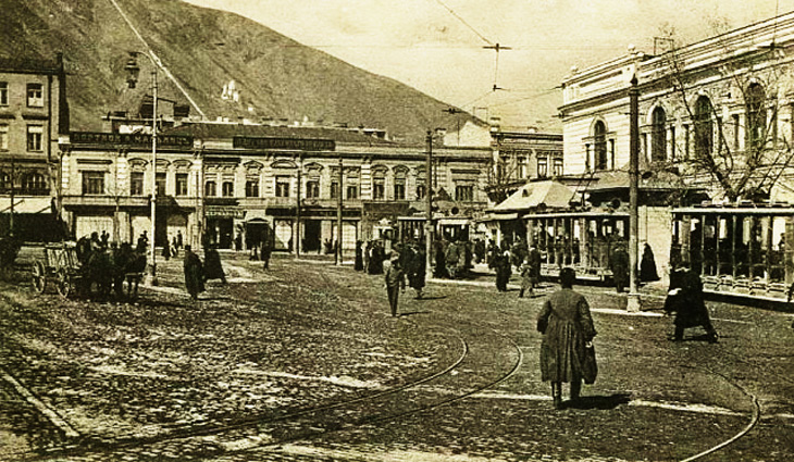 Влияние азербайджанцев на литературную среду Тифлиса в XIX- начале XX вв.