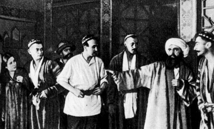 Формирование узбекского театра под влиянием азербайджанских классиков