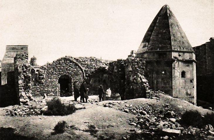 Средневековый суфий Яхья ал-Бакуви и основанная им бакинская обитель братства Халватийа
