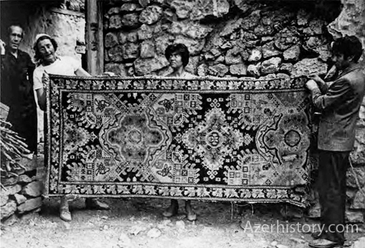 """Карабахский ковер 1813 г. или как """"Малыбейли"""" пытались превратить в """"Хндзореск"""""""