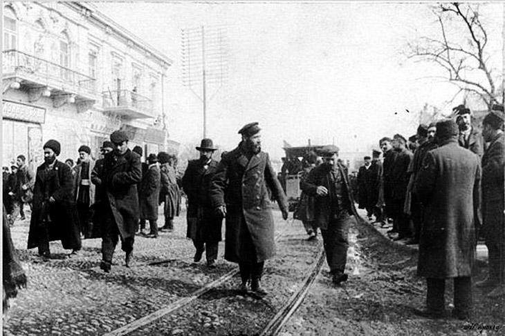 Резня в Тифлисе, 1905 г.: тела азербайджанцев подбирали на улицах города