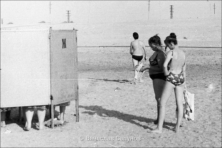 Из архива В.Сапунова: Бакинский пляж в поселке Пиршаги, 1985 г. (ФОТО)