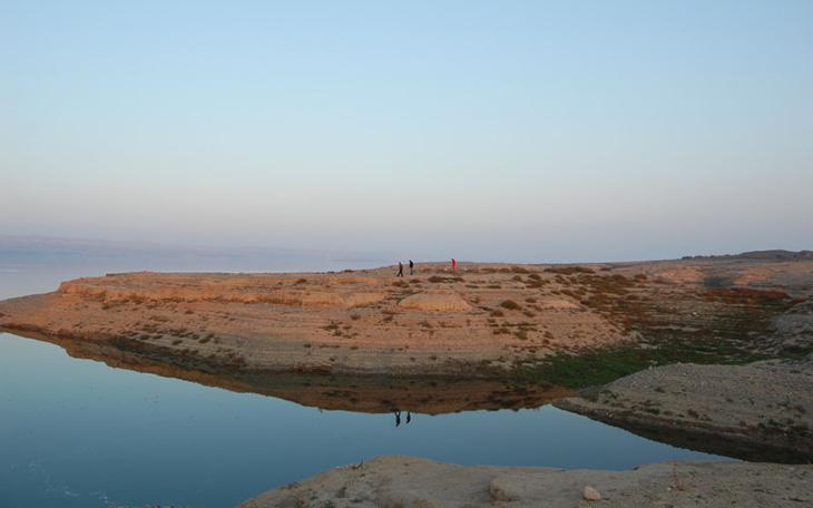 О находках с древнего поселения Дехнели в Шамкире