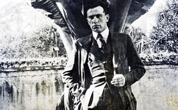 Как В.Маяковский Баку с Америкой сравнивал в 1926 г.