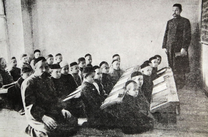 """""""Обращая детей в попугаев"""": образование среди мусульман Ленкорани (записано в 1913 г.)"""