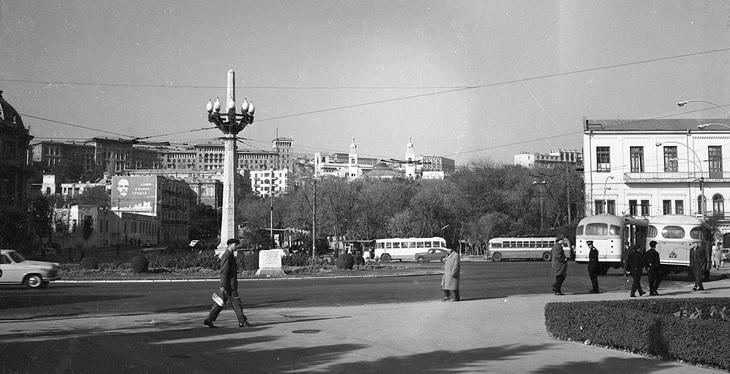 Баку 1960-х гг.: площадь Азнефть и проспект Нефтяников (ФОТО)