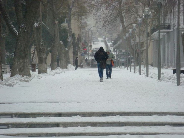Заснеженный Баку 2012 года (ФОТО)