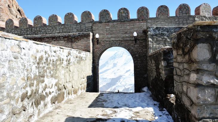 Крепости Нахчывана, упоминаемые в произведении историка Х.Казвини (1340 г.)