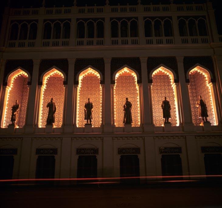 Эффектные фото ночного Баку 1970-х годов от Валерия Шустова