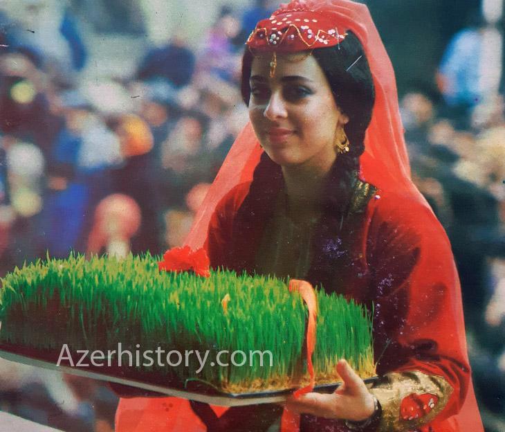 Очаровательные женщины Азербайджана конца 1980-х на празднике Новруз (ФОТО)