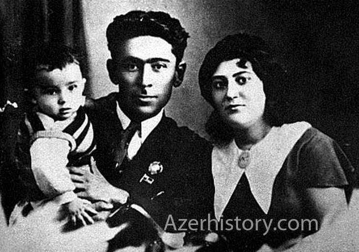 Азербайджанский поэт Самед Вургун с семьей в 1930х-1950х гг. (ФОТО)