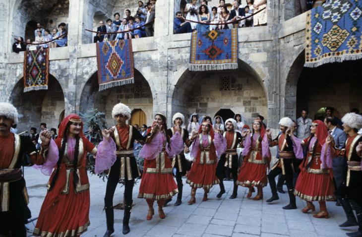 Азербайджанский народный танец: история и истоки