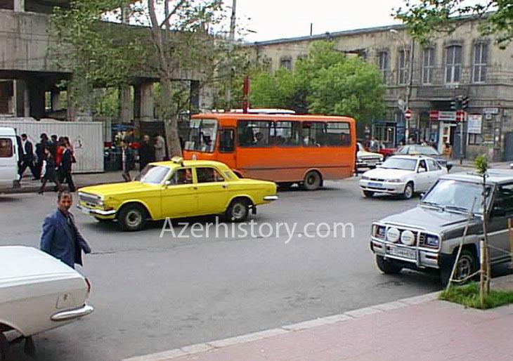 Газетные архивы: транспорт на улицах Баку в 1999 году (ФОТО)