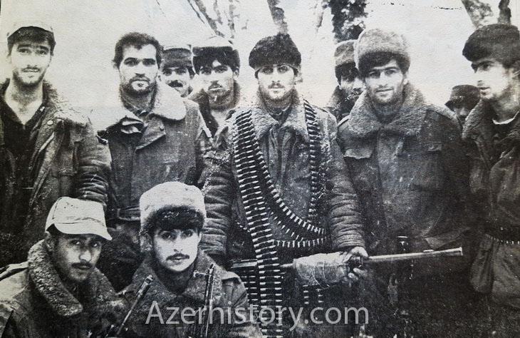 Лица карабахской войны: азербайджанские солдаты в Агдаме, 1992-1993 г. (ФОТО)