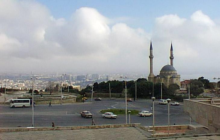 Газетные архивы: Контрастный Баку и его жители в 1999 г. – часть 2 (ФОТО)